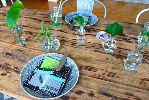 Tischdeko mit Blättern