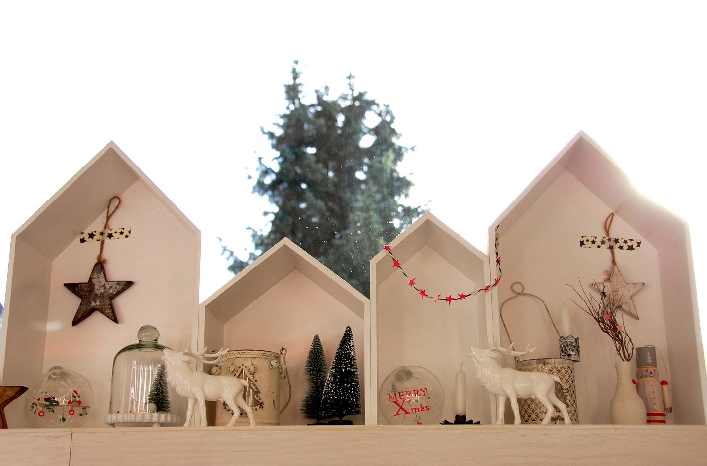 fensterdeko zu weihnachten roomilicious. Black Bedroom Furniture Sets. Home Design Ideas