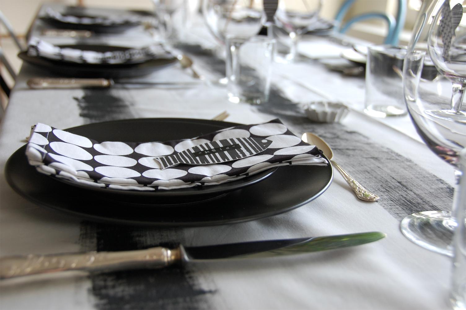 Schwarz-weiße Tischdeko
