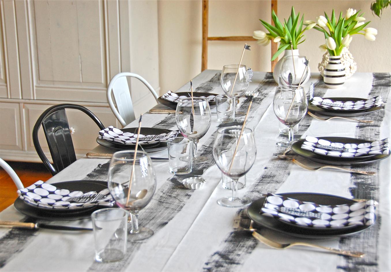 Tischdeko in schwarz-weiß