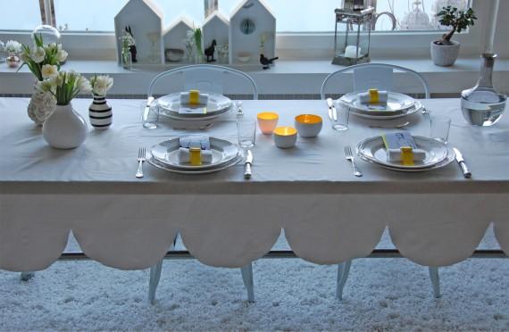Tischdeko in weiß und gelb