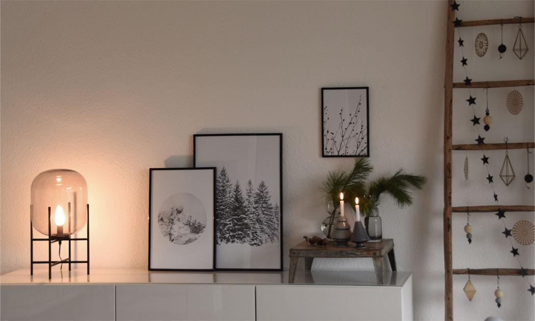 Weihnachtsdeko in grau und gold