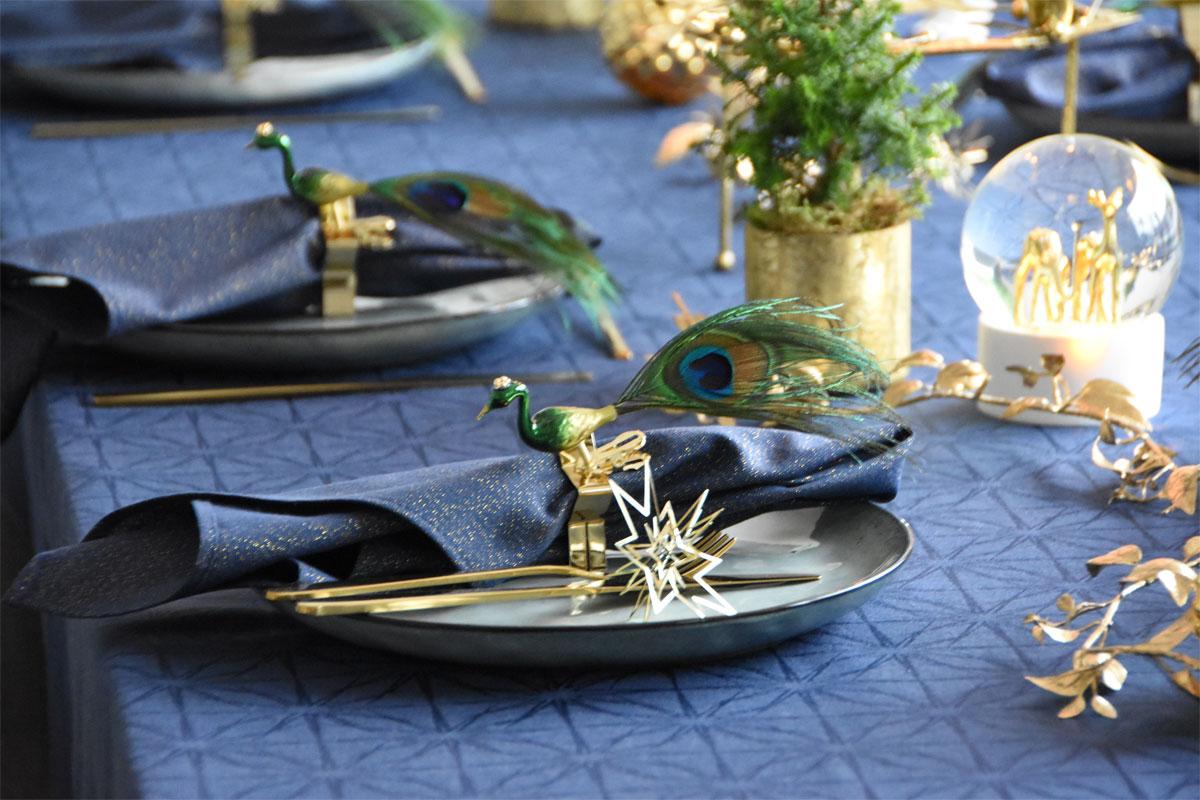 Weihnachtliche Tischdeko an Heiligabend