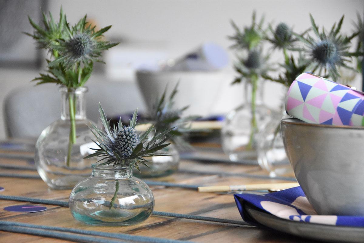 Tischdeko in Blau - Disteln